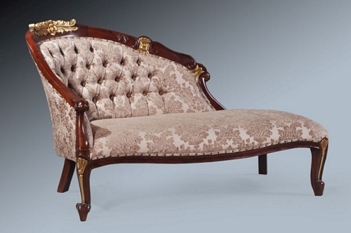 The petite chaise walnut touched with gold leaf for Chaise longue petit prix